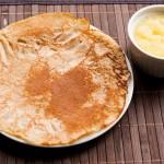 Dinkelpfannkuchen mit Apfelmus